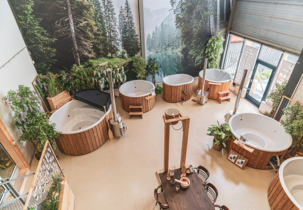 Kunststof hottub Showroom